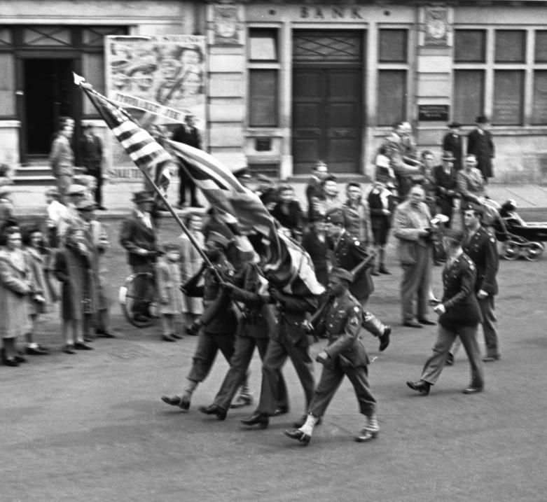 img067.American-Parade.-3.6.44.